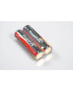 TrustFire beskyttet 18650 2400mAh Li-ion oppladbart batteri (1 par)