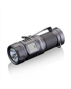 JETBeam E20R SST40 990 LUMENS LED lommelykt