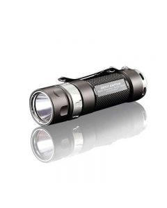 JETBeam JET-RRT01 CREE XP-L 950 lumen LED EDC lommelykt