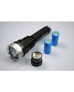TrustFire TR-J10 Liminus SST-90 5-modus LED lommelykt med batterier, lader og gaveeske